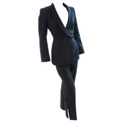 Chic Thierry Mugler Structured Jacket & Pant Suit Navy Pinstripe Wool Sz 38