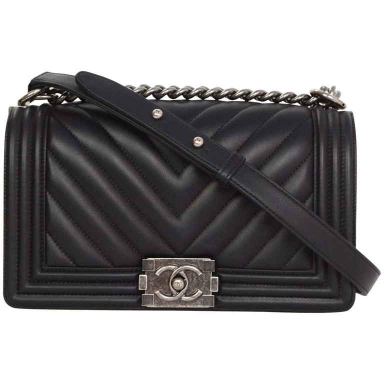 8926dd88d2d5e Chanel  16 Black Chevron Quilted Lambskin Leather Old Medium Boy Bag For  Sale
