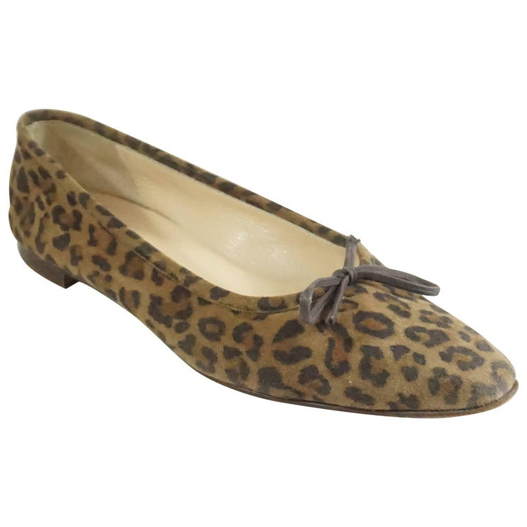 e89077343e7a1 Manolo Blahnik Animal Print Suede Flats - 38.5 For Sale at 1stdibs