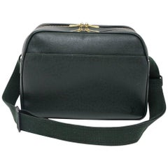 Louis Vuitton Reporter Green Taiga Leather Medium Shoulder Bag