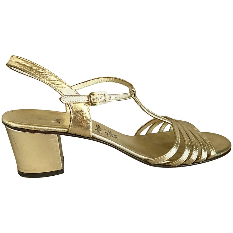 c309f3481815 1960s Amalfi by Rangoni Size 8 Gold Leather Vintage Metallic High Heel  Sandals For Sale at 1stdibs