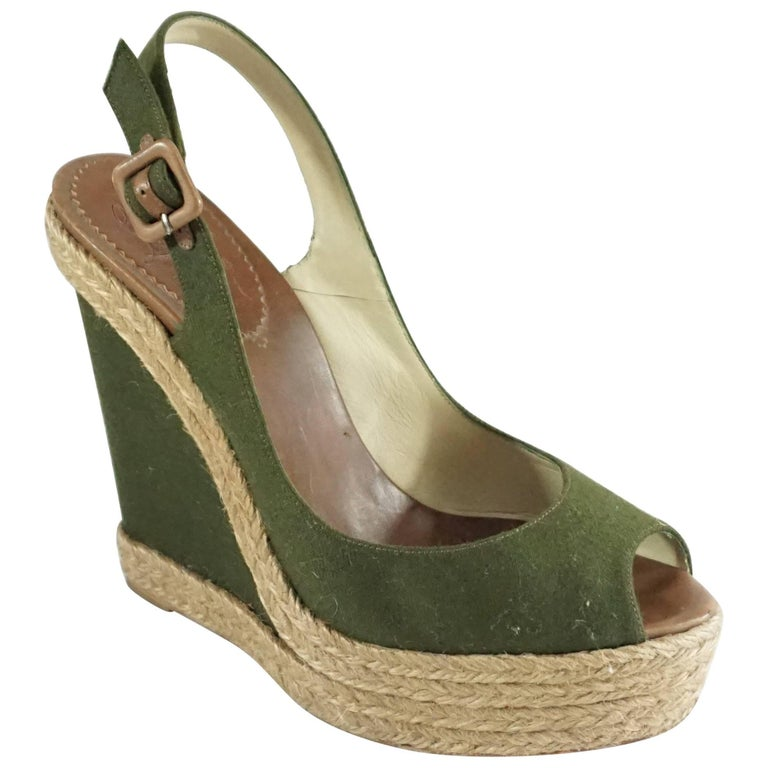 new arrival ddbc0 858ec Christian Louboutin Green Flannel and Straw Wedges - 41