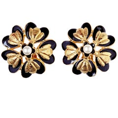 Rare Chanel 1980s flower Design Earrings with Pearl Detail