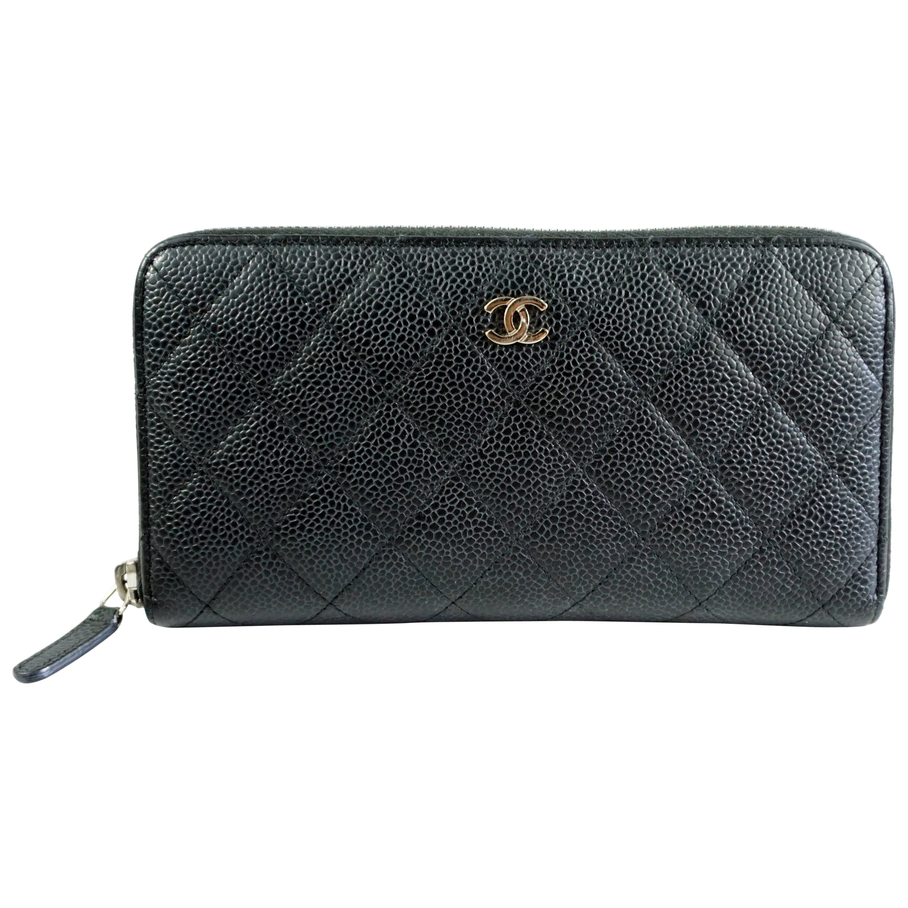 e073ca845c7c Chanel Black Caviar Leather Zippy Wallet at 1stdibs