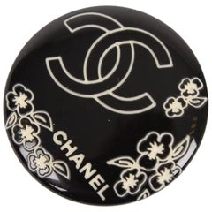 Chanel Resin Button Brooch - black