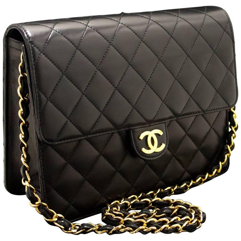 09011f207c32 CHANEL Chain Shoulder Bag Clutch Black Quilted Flap Lambskin Purse For Sale  at 1stdibs