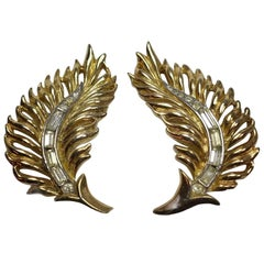 Vintage Signed Trifari Gold & Crystals Leaf Earrings