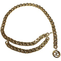 CHANEL Big Mesh Chain Belt in Gilded metal