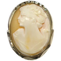 MA-GNI-FIC Antique Pendentif Camée Coquiillage Victorienne woman