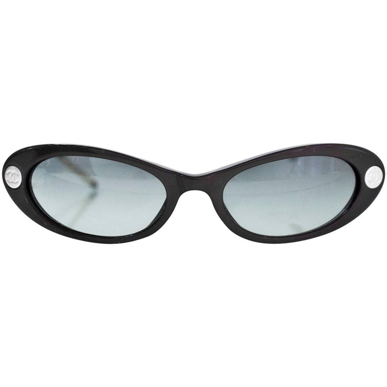 Chanel '90s Vintage Grey Cat Eye Sunglasses