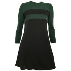 Bill Blass 1970s MOD Mini Dress with Pockets Size 6.
