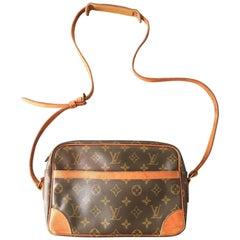 Louis Vuitton 1980s Monogram Trocadero Shoulder Handbag.