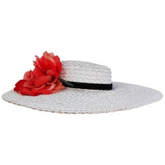 1950s White Straw Sun Hat w/ Flower