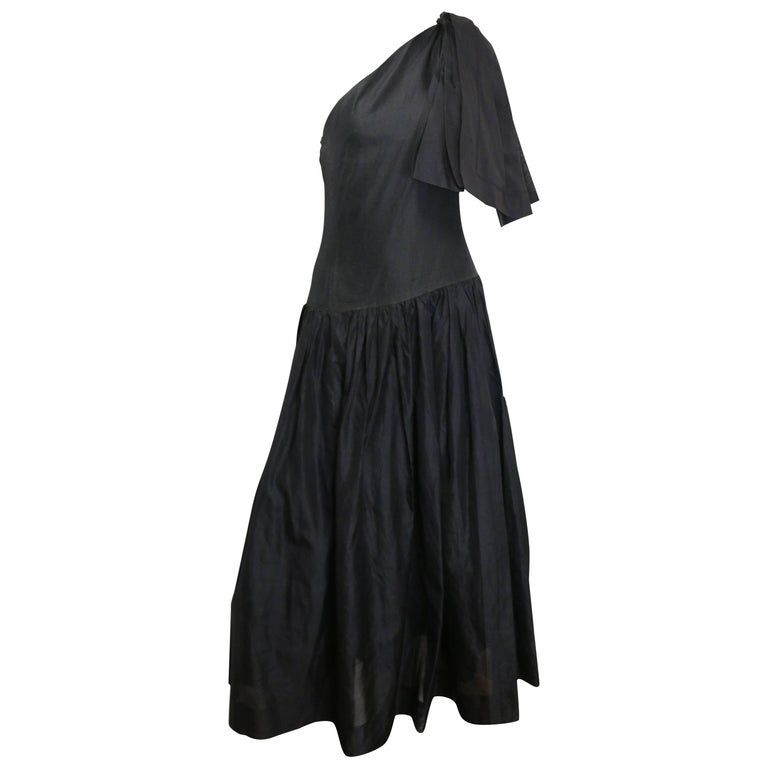 Chanel Black Silk Taffeta One Shoulder Evening Gown (Museum Quality)  For Sale