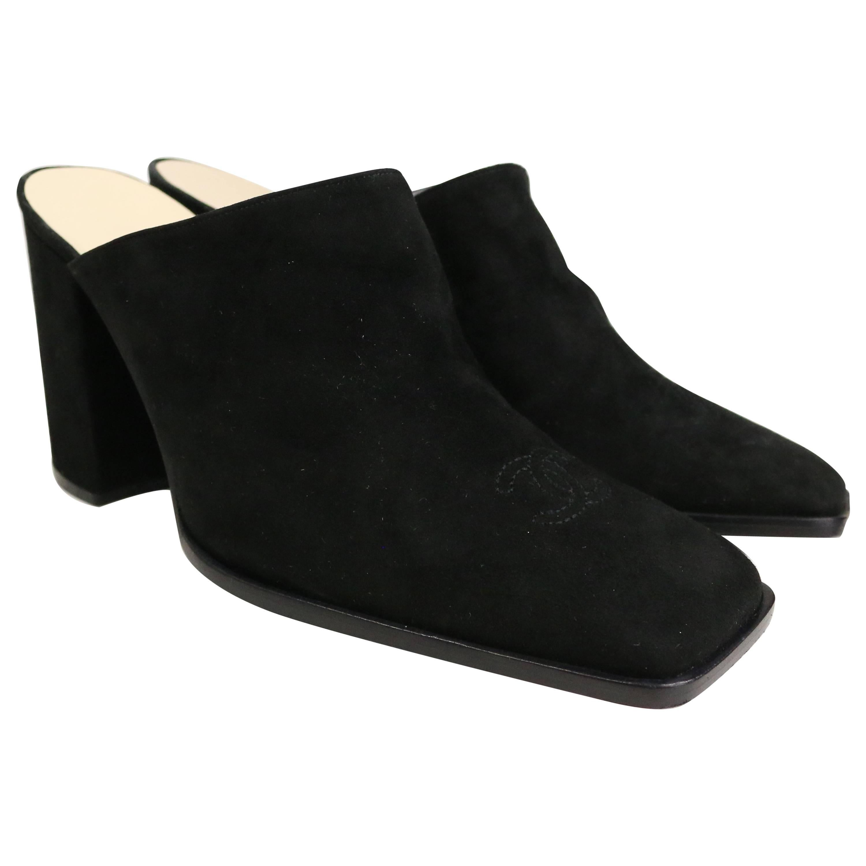 """Unworn vintage 90s Chanel Black Suede """"CC"""" Mules Shoes"""