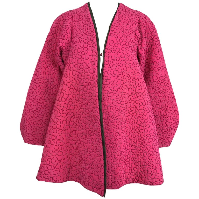 Zandra Rhodes 1980s hot pink squiggle quilted swing jacket  For Sale