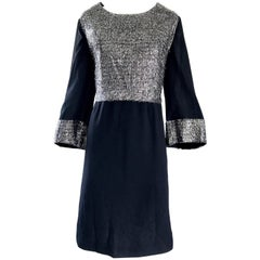 Chic 1960s Plus Size 18 / 20 Silver + Black 60s Vintage Bell Sleeve Shift Dress