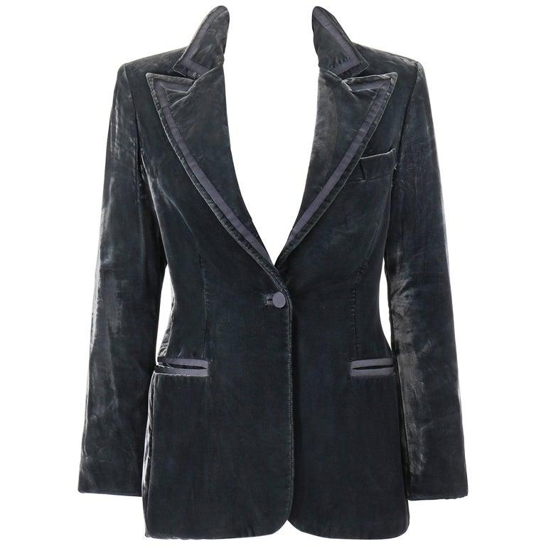 GUCCI A/W 2004 TOM FORD Charcoal Gray Velvet Peak Lapel Tuxedo Jacket Blazer For Sale