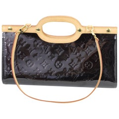 2008 Louis Vuitton trinagle Bag in Dark Purple Patented Leather