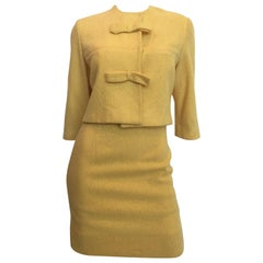 1960s Jackie O Mod Style Butter Yellow Knubby Knit 2 Piece Skirt Suit