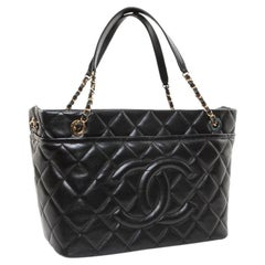 CHANEL Shopping Bag in Black Caviar Leather
