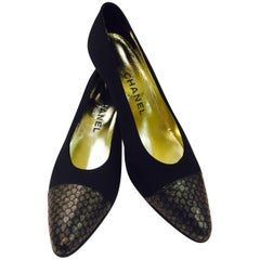 Charismatic Chanel's Black Satin Pumps With Cap Toe in Gold and Black
