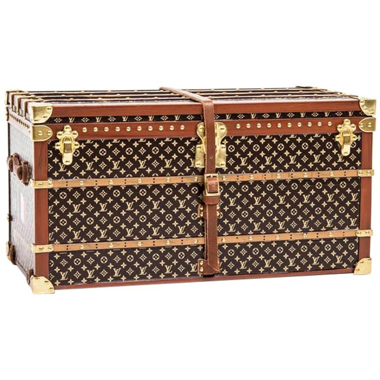 LOUIS VUITTON Miniature 'Miss France' Trunk in Wood and gilded Metal