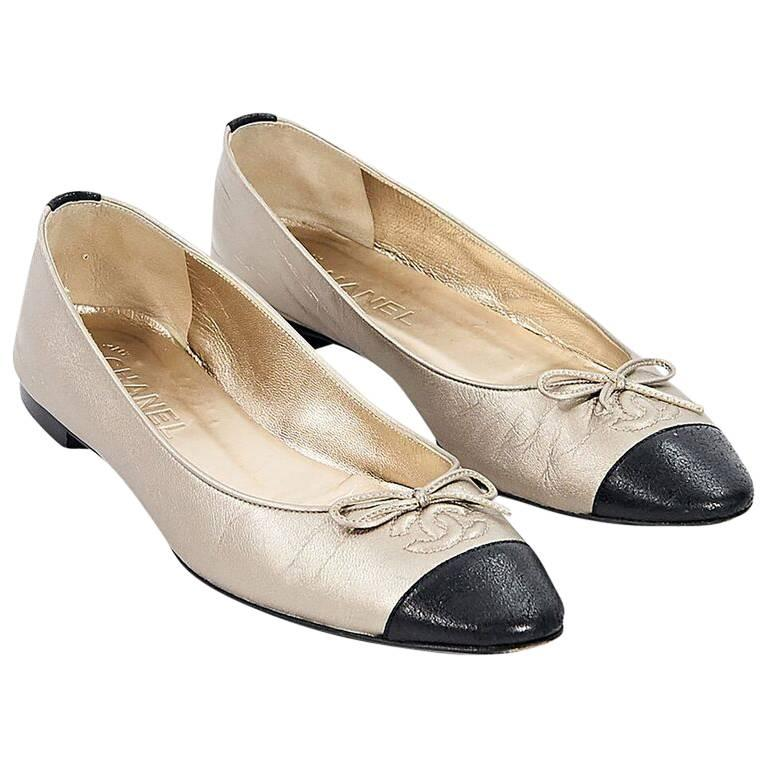 Gold & Black Chanel Leather Ballet Flats For Sale