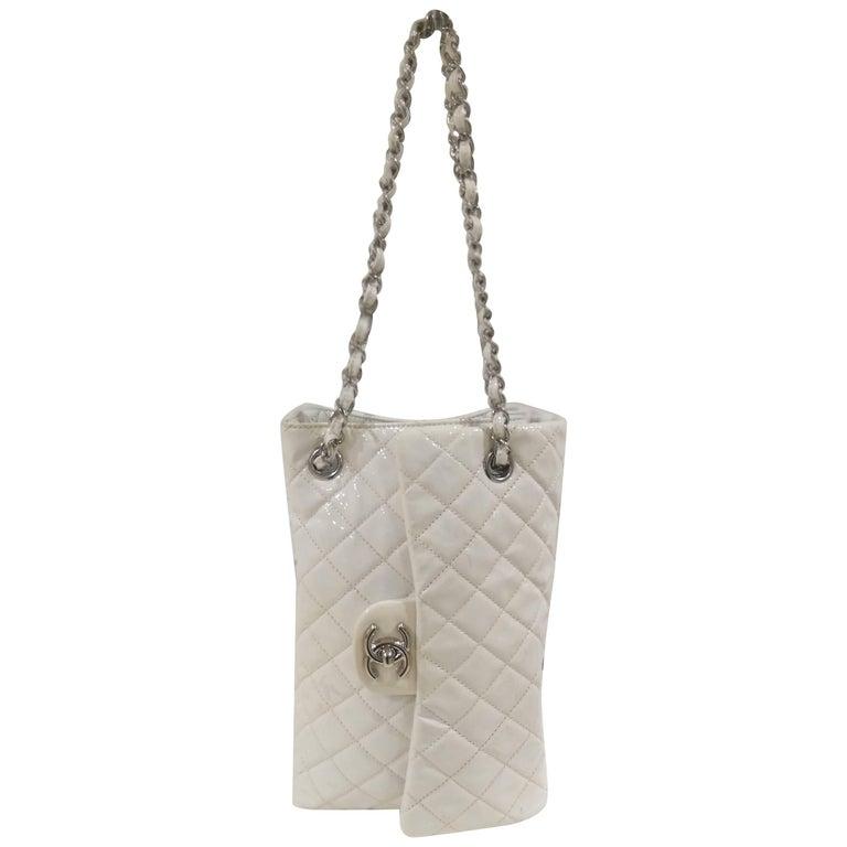 Rare Chanel white patent leather Shoulder Bag