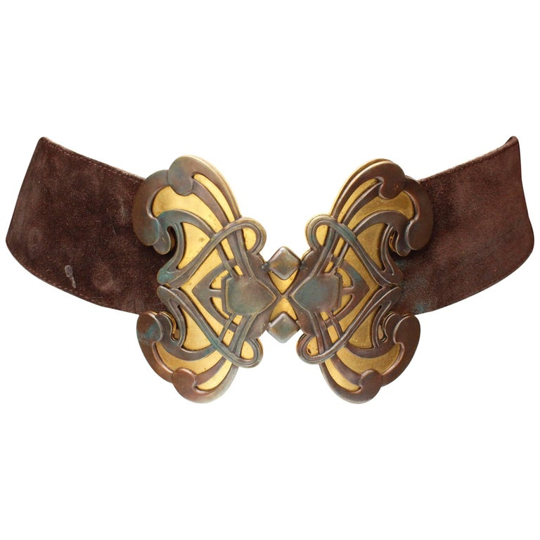 1970s Yves Saint Laurent wide brown suede belt with butterfly buckle For Sale