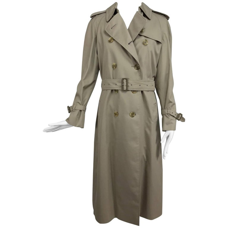 Burberry classic trench coat with removable nova check lining For Sale