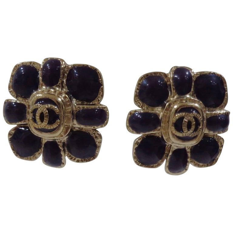 Chanel purple silver tone cc logo flower clip on earrings For Sale