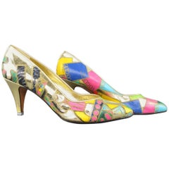 1980s GIANNI VERSACE 8 Gold Metallic VOGUE Print Leather Pumps