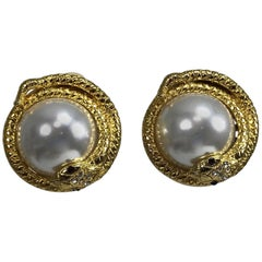 Kenneth Lane large jeweled snake with pearl earrings