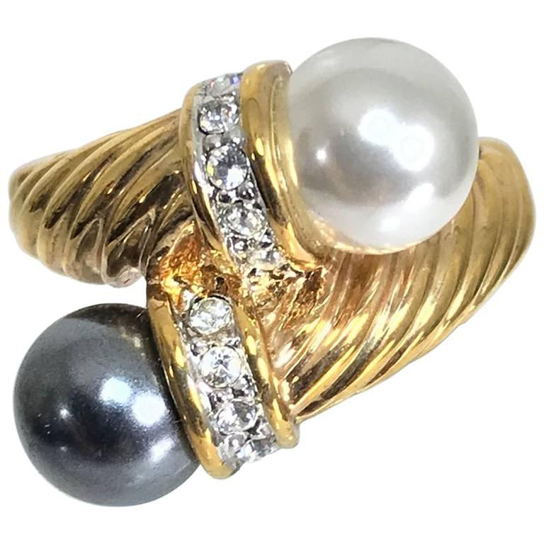 Black and white faux pearls gold twist with rhinestone ring  For Sale