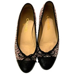 Chanel Ballerina Flats - Pink and White Boucle - Size 37.5