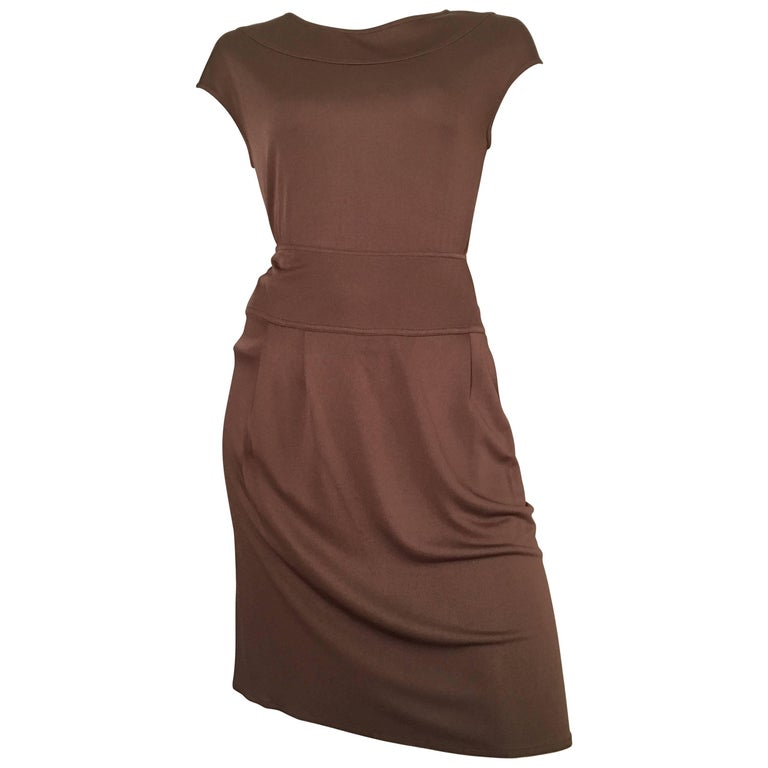 Bill Blass 2007 Brown Jersey Top & Skirt with Pockets Size 6. For Sale