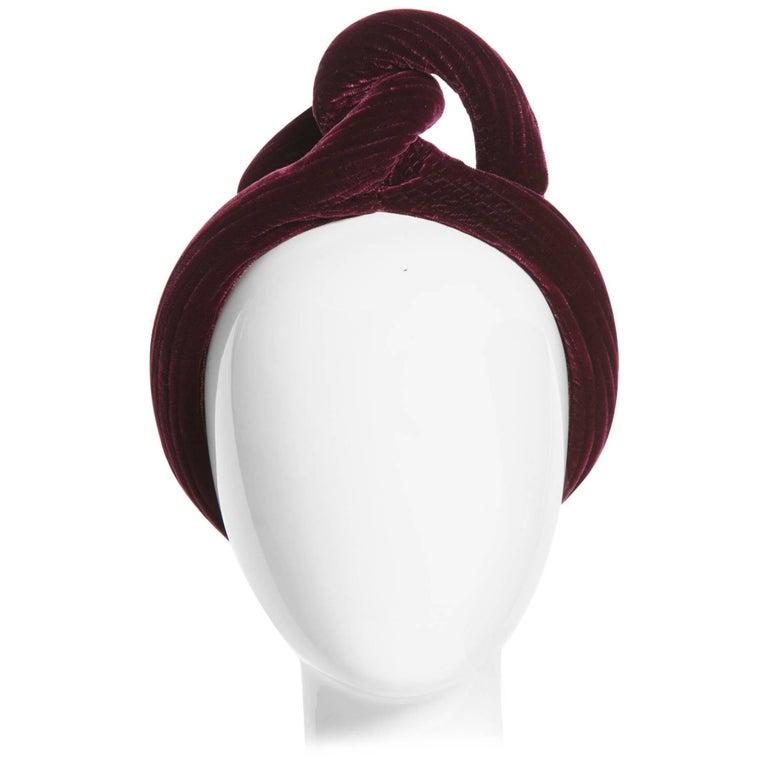 1930s Vintage Velvet Bordeaux Sculptural Turban Hat For Sale