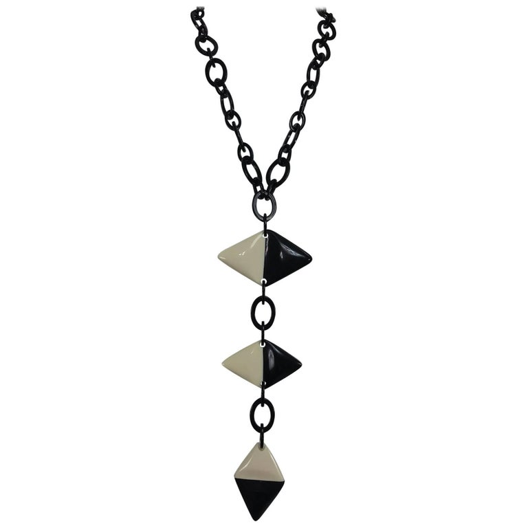 Cream and black french art deco style link necklace 1