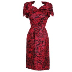 1953 House of Worth Haute-Couture Magenta Abstract Print Silk Shawl-Collar Dress