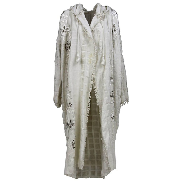 1990s White Hand-Embroidered Caftan