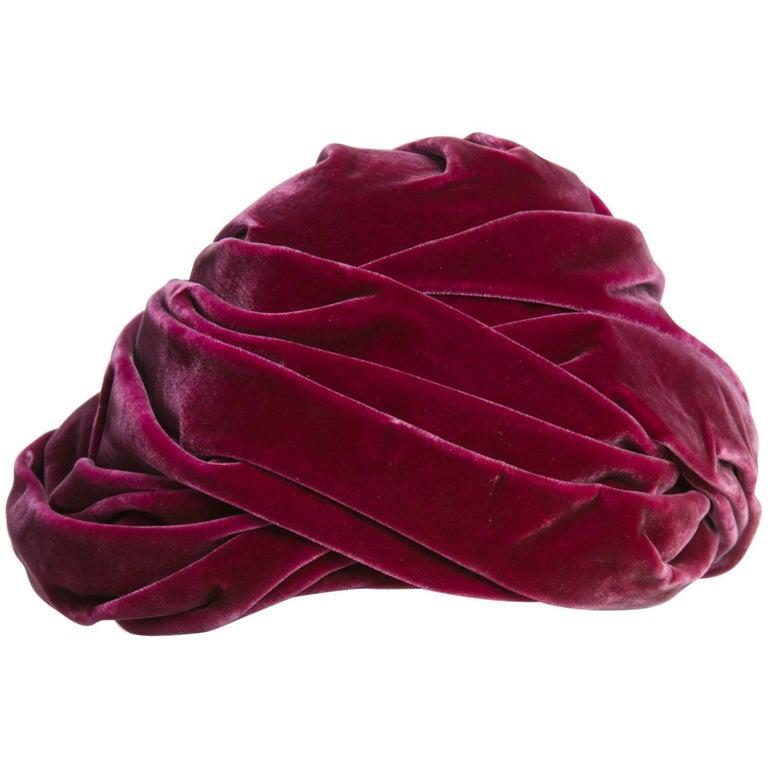 1930s Hattie Carnegie Original Raspberry Pink Velvet Turban Hat For Sale