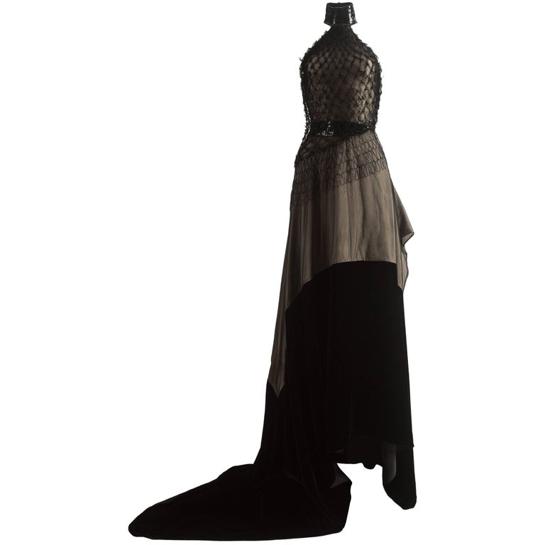 Gianfranco Ferre Autumn-Winter 1999 halter neck evening gown with velvet train For Sale