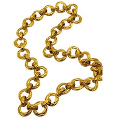 Chanel 1980s Gold Quilt Ring Link Necklace