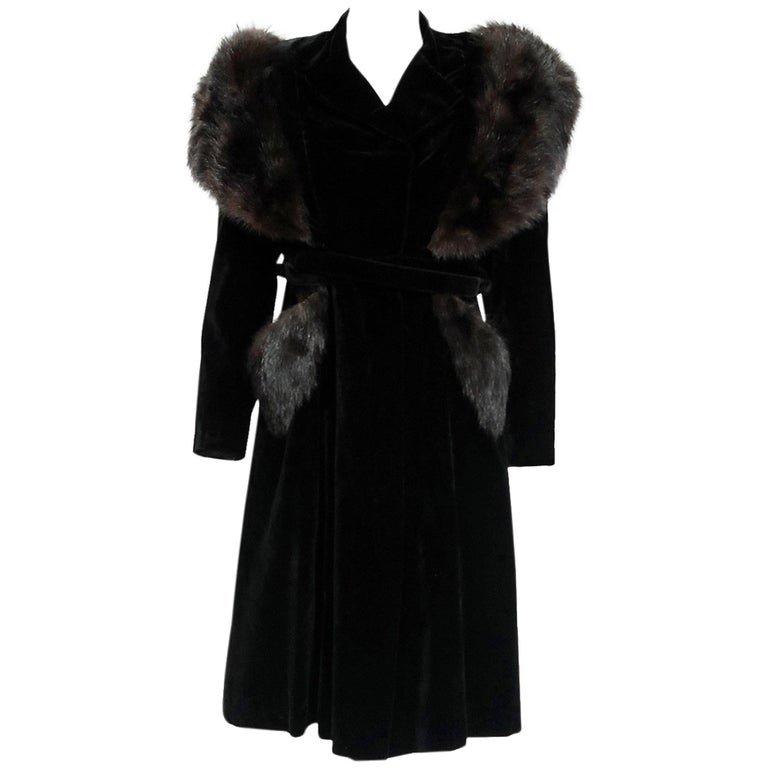 French Black Velvet and Genuine Fox Fur Belted Princess Coat Jacket, 1940s  For Sale