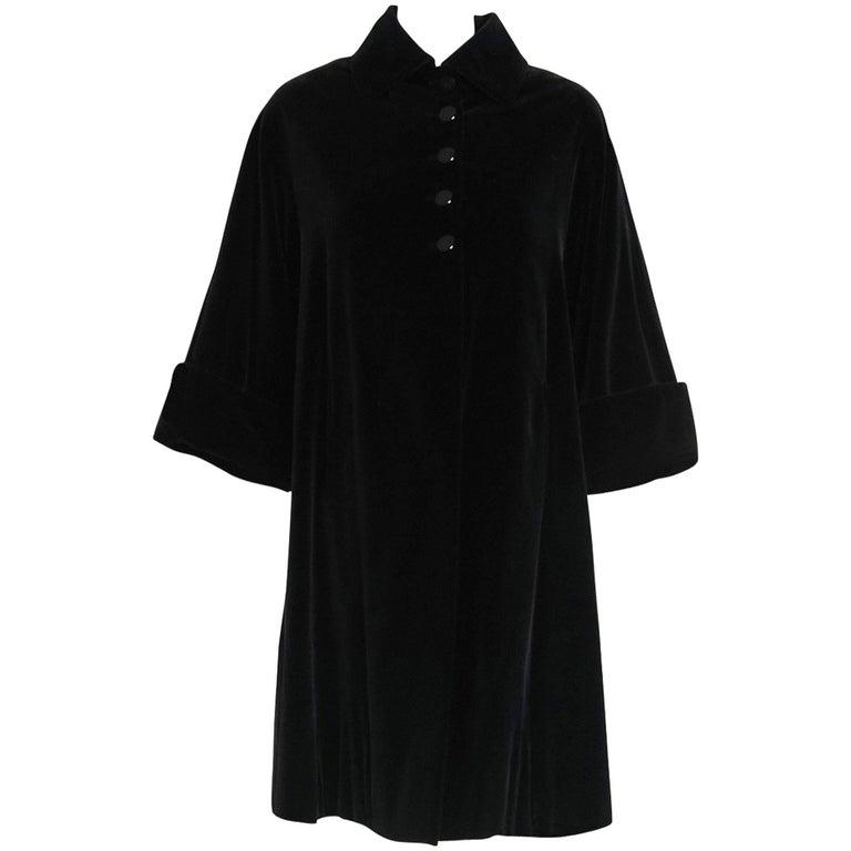 1951 Pierre Balmain Haute-Couture Black Velvet Wide-Cuff Swing Coat Jacket