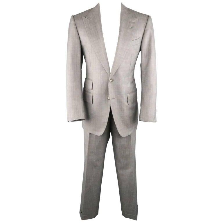 Men's TOM FORD 40 Regular Grey Herringbone Wool Peak Lapel Suit 1