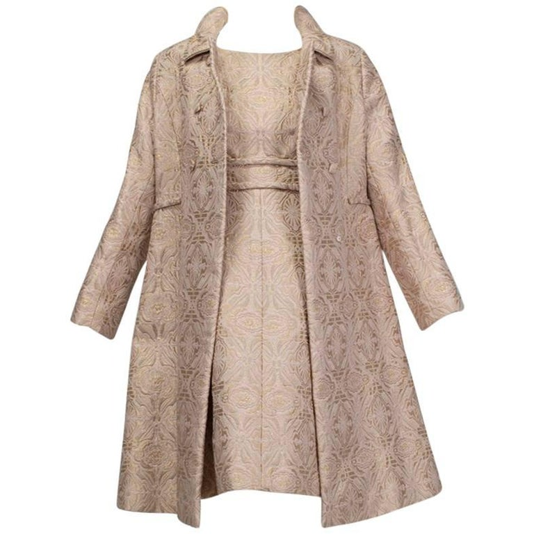 Pink and Gold Jacquard A-Line Dress and Coat Set - Jacome Estate, 1960s For Sale