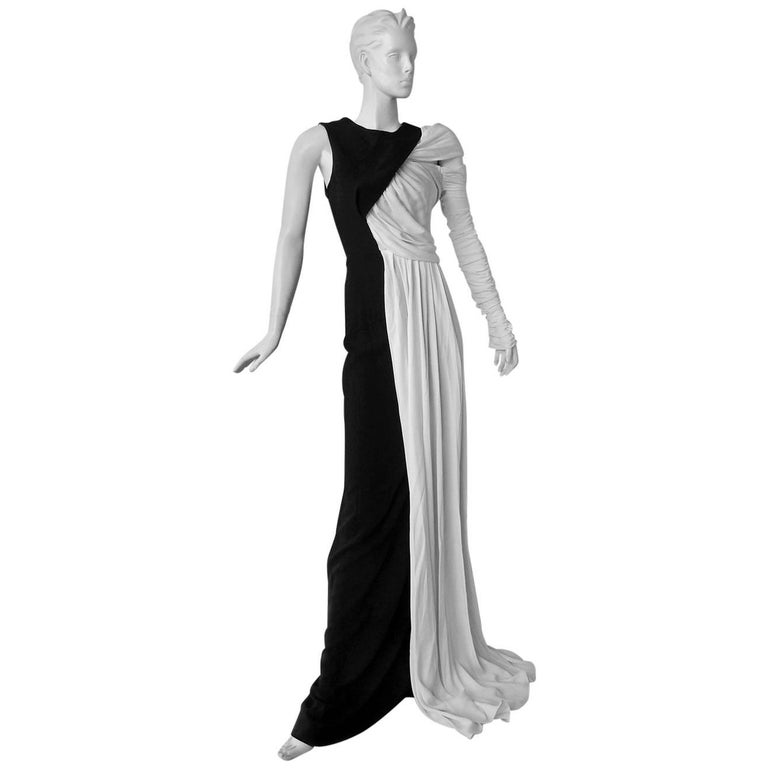 Vionnet Grecian Draped Single Shoulder  Black & White Dress Gown  For Sale