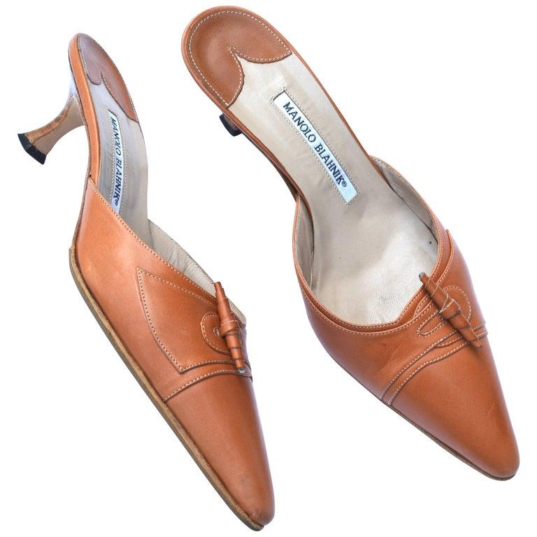 Manolo Blahnik Saddle toned leather Heel